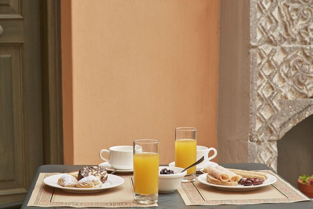 더 캡틴스 하우스 부티크 호텔(The Captain's House Boutique Hotel) Hotel Image 21 - Breakfast Meal