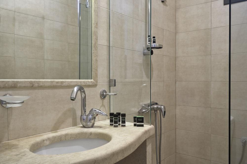 더 캡틴스 하우스 부티크 호텔(The Captain's House Boutique Hotel) Hotel Image 17 - Bathroom Shower