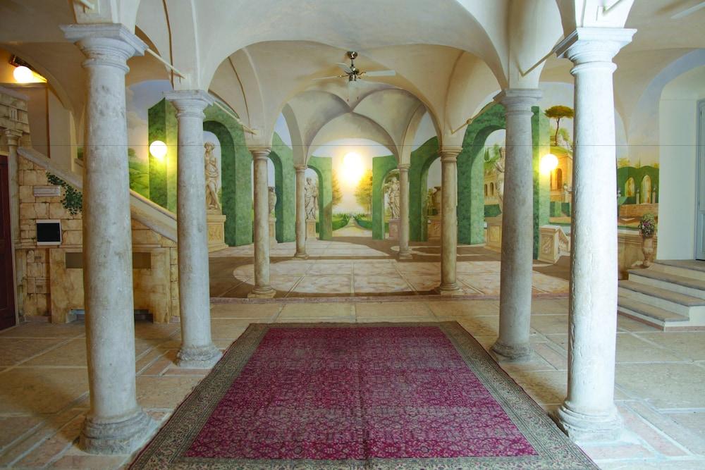 팔라초 노벨로(Palazzo Novello) Hotel Image 41 - Hotel Interior