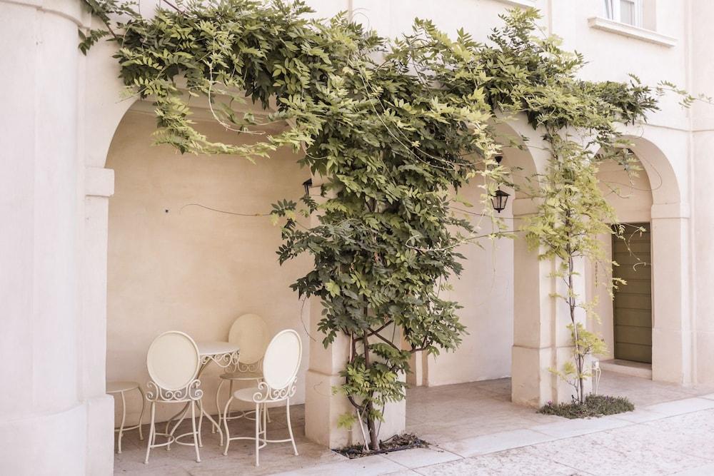 팔라초 노벨로(Palazzo Novello) Hotel Image 52 - Exterior