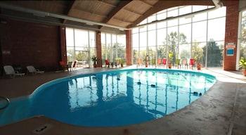 서던 오크스 인(Southern Oaks Inn) Hotel Image 3 - Pool