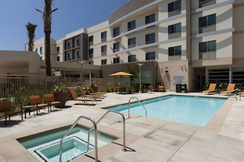 Hotel - Courtyard by Marriott Santa Ana Orange County