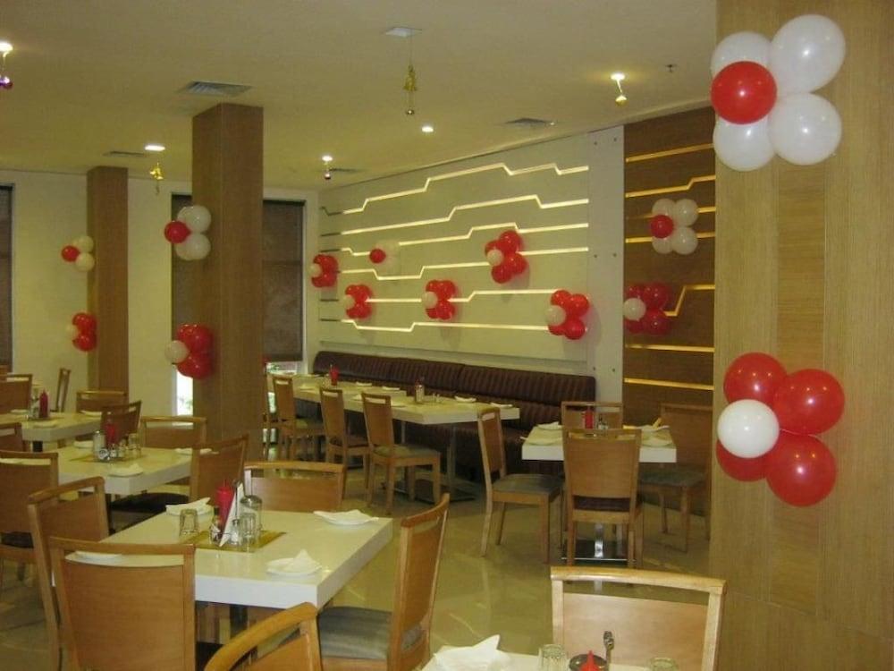 키스 셀렉트 호텔 카티 마, 첸나이(Keys Select Hotel Katti Ma, Chennai) Hotel Image 13 - Restaurant
