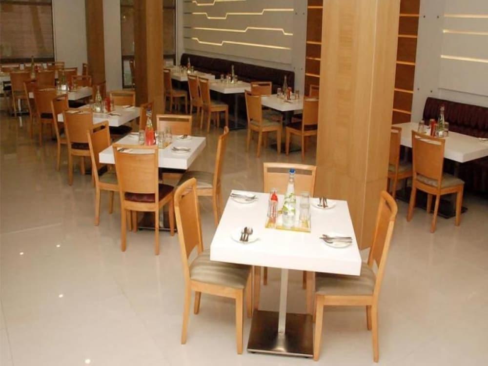 키스 셀렉트 호텔 카티 마, 첸나이(Keys Select Hotel Katti Ma, Chennai) Hotel Image 14 - Restaurant