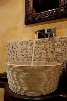 스피릿 오브 더 나이츠 부티크(Spirit Of The Knights Boutique) Hotel Image 21 - Bathroom Sink