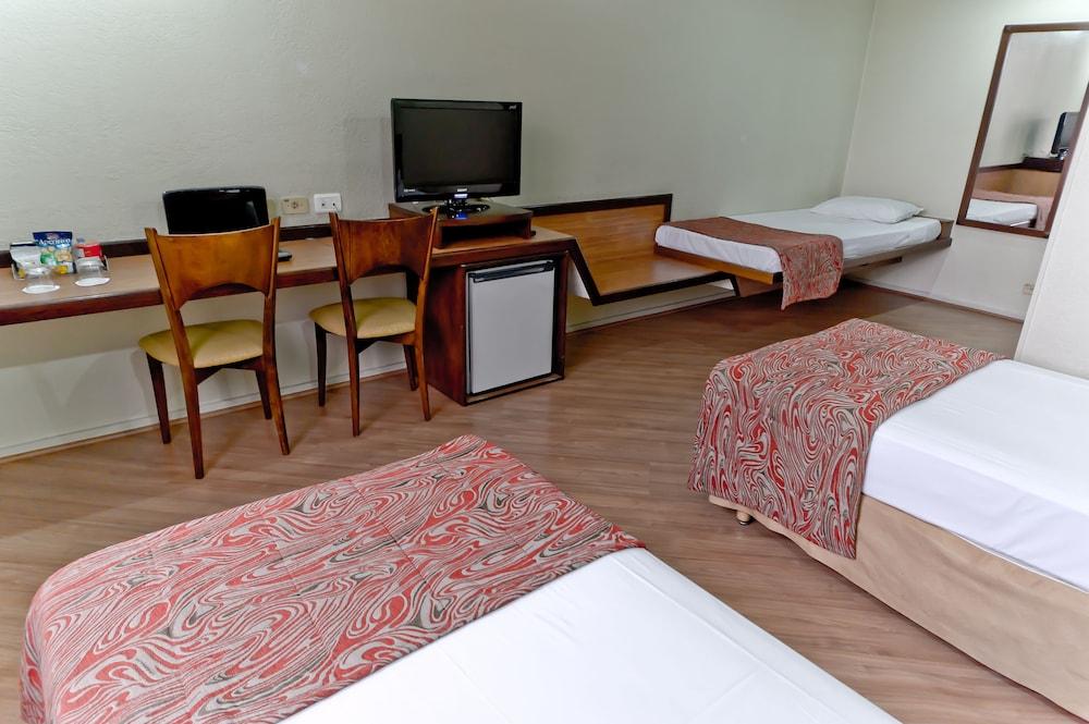 단 인 쿠리티바(Dan Inn Curitiba) Hotel Image 32 - Guestroom View