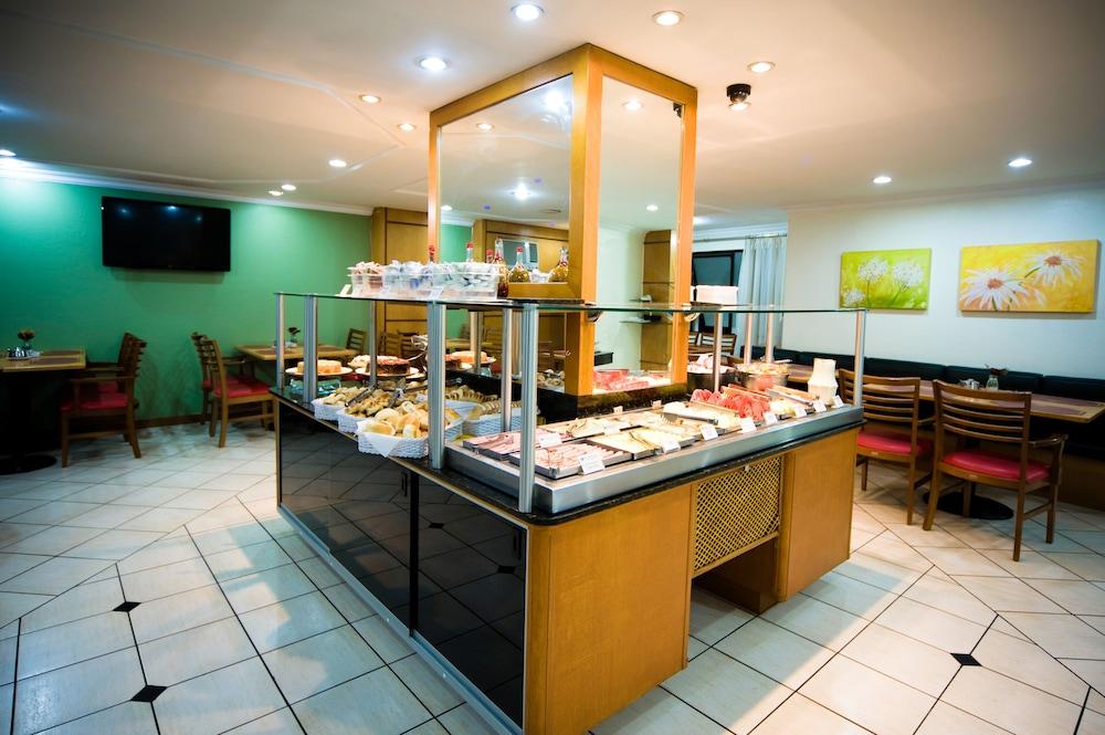 단 인 쿠리티바(Dan Inn Curitiba) Hotel Image 47 - Restaurant