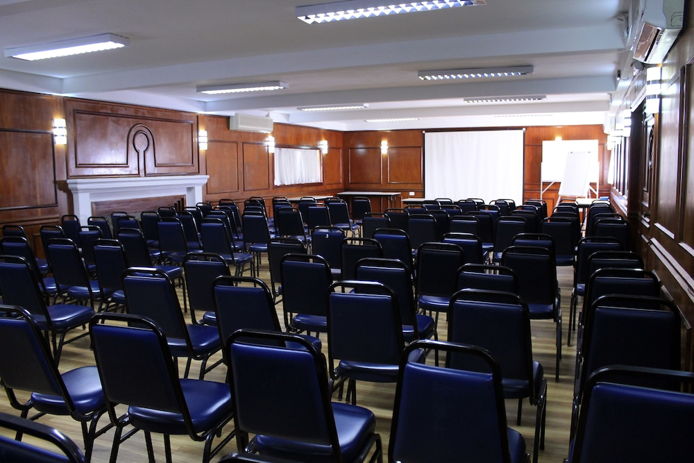 단 인 쿠리티바(Dan Inn Curitiba) Hotel Image 52 - Meeting Facility