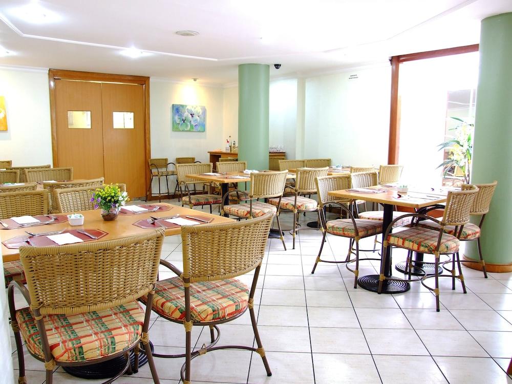 단 인 쿠리티바(Dan Inn Curitiba) Hotel Image 48 - Food Court