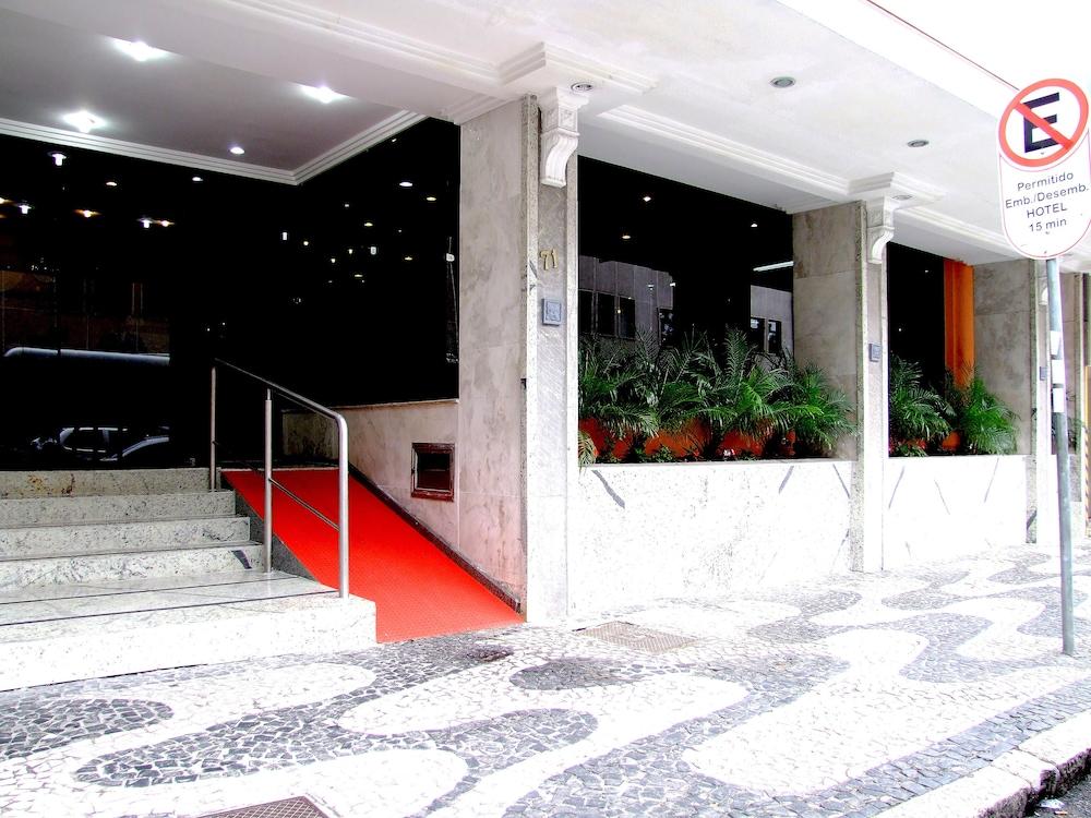 단 인 쿠리티바(Dan Inn Curitiba) Hotel Image 1 - Porch
