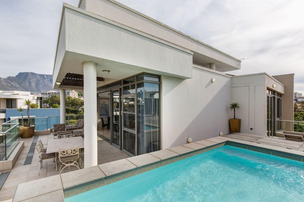로힐 럭셔리 아파트먼트(Lawhill Luxury Apartments) Hotel Image 89 - Outdoor Pool