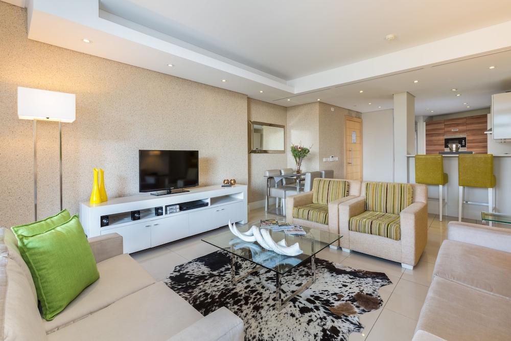 로힐 럭셔리 아파트먼트(Lawhill Luxury Apartments) Hotel Image 35 - Living Area