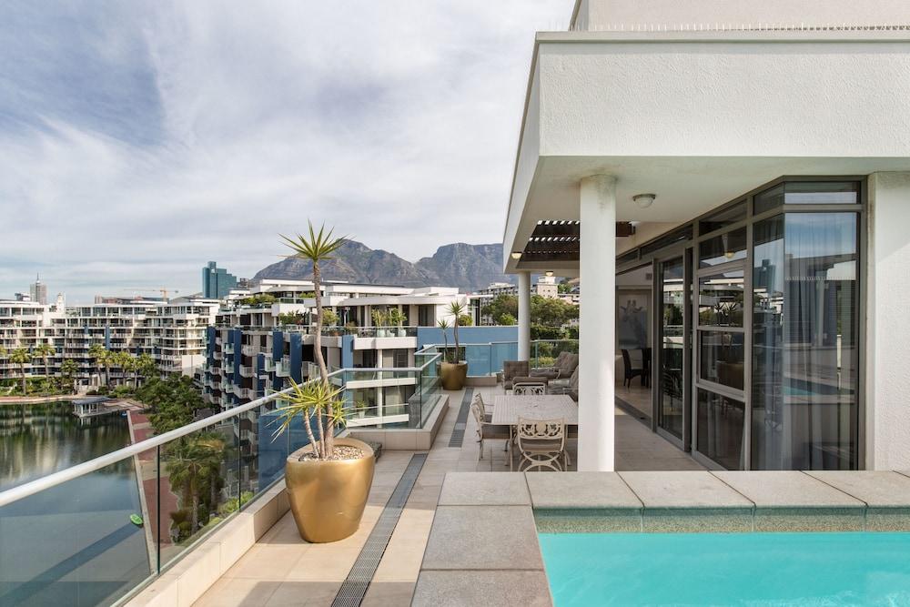 로힐 럭셔리 아파트먼트(Lawhill Luxury Apartments) Hotel Image 64 - Balcony