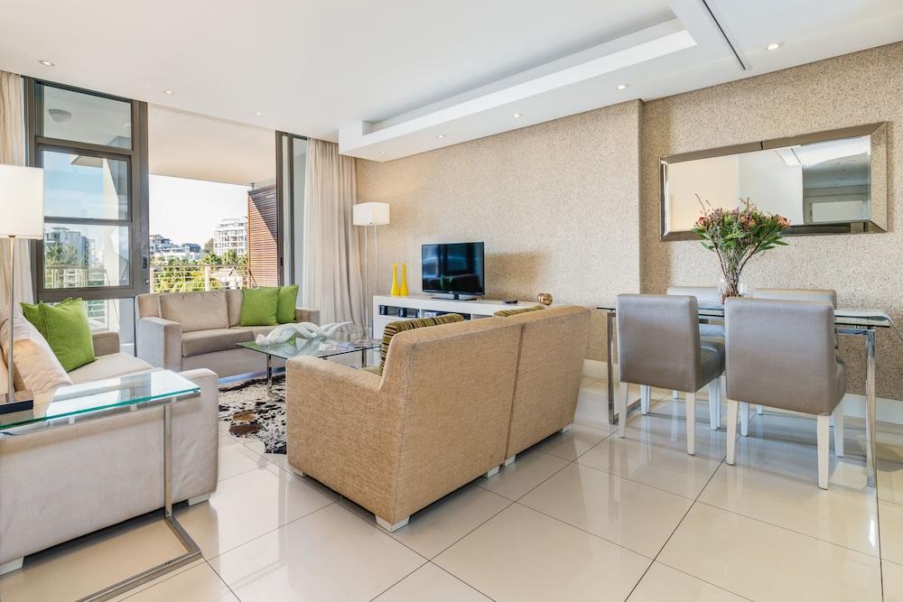 로힐 럭셔리 아파트먼트(Lawhill Luxury Apartments) Hotel Image 36 - Living Area