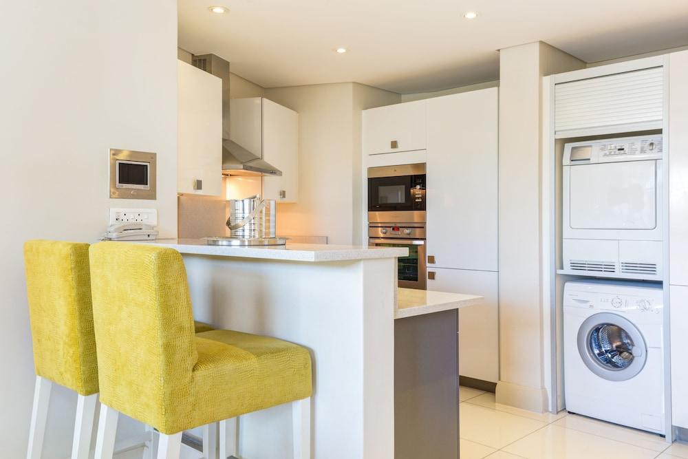 로힐 럭셔리 아파트먼트(Lawhill Luxury Apartments) Hotel Image 26 - In-Room Kitchen