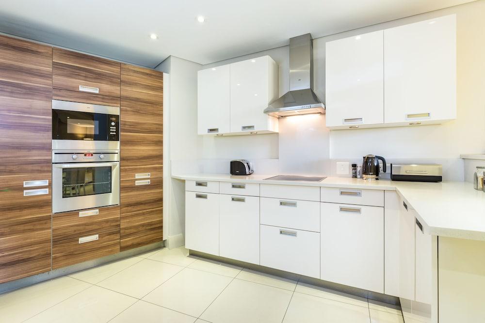 로힐 럭셔리 아파트먼트(Lawhill Luxury Apartments) Hotel Image 22 - In-Room Kitchen