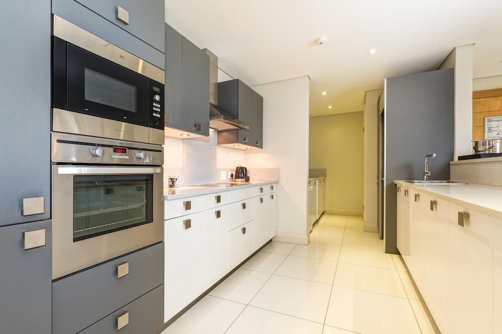 로힐 럭셔리 아파트먼트(Lawhill Luxury Apartments) Hotel Image 27 - In-Room Kitchen