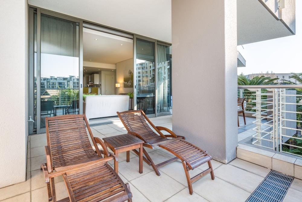 로힐 럭셔리 아파트먼트(Lawhill Luxury Apartments) Hotel Image 56 - Terrace/Patio