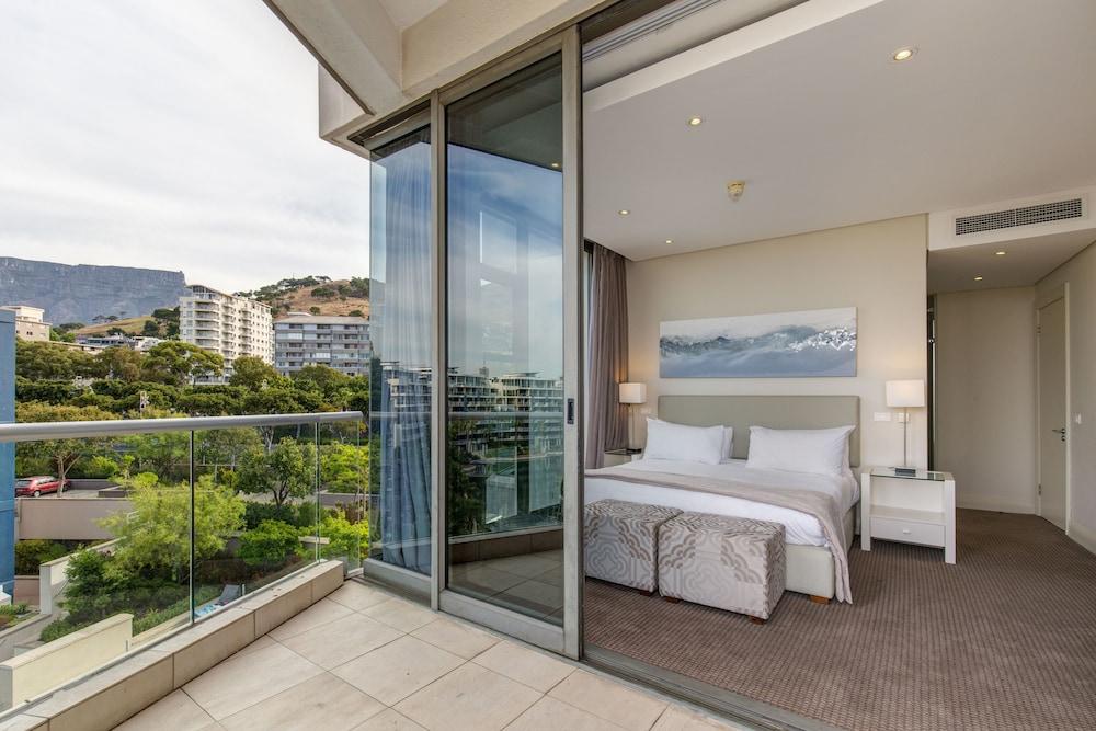 로힐 럭셔리 아파트먼트(Lawhill Luxury Apartments) Hotel Image 103 - Balcony View