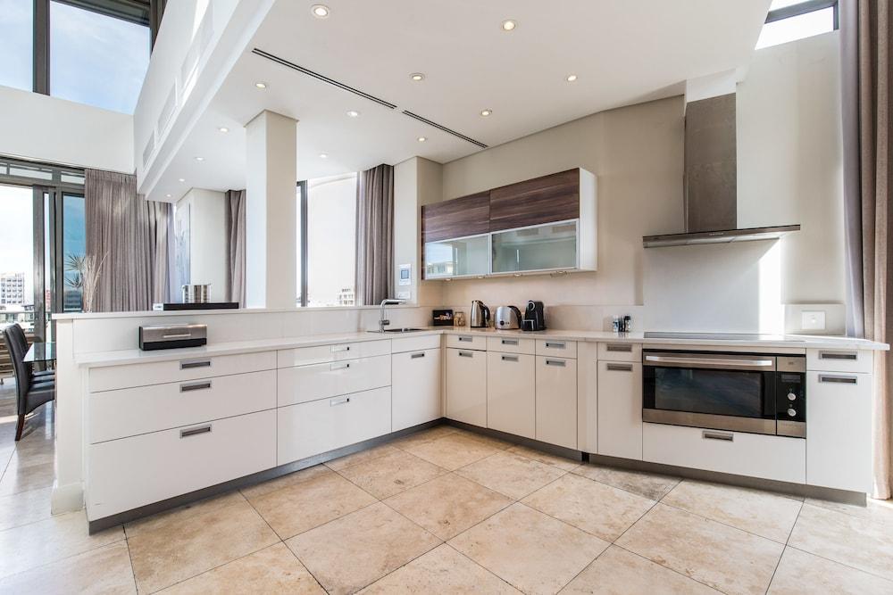 로힐 럭셔리 아파트먼트(Lawhill Luxury Apartments) Hotel Image 28 - In-Room Kitchen