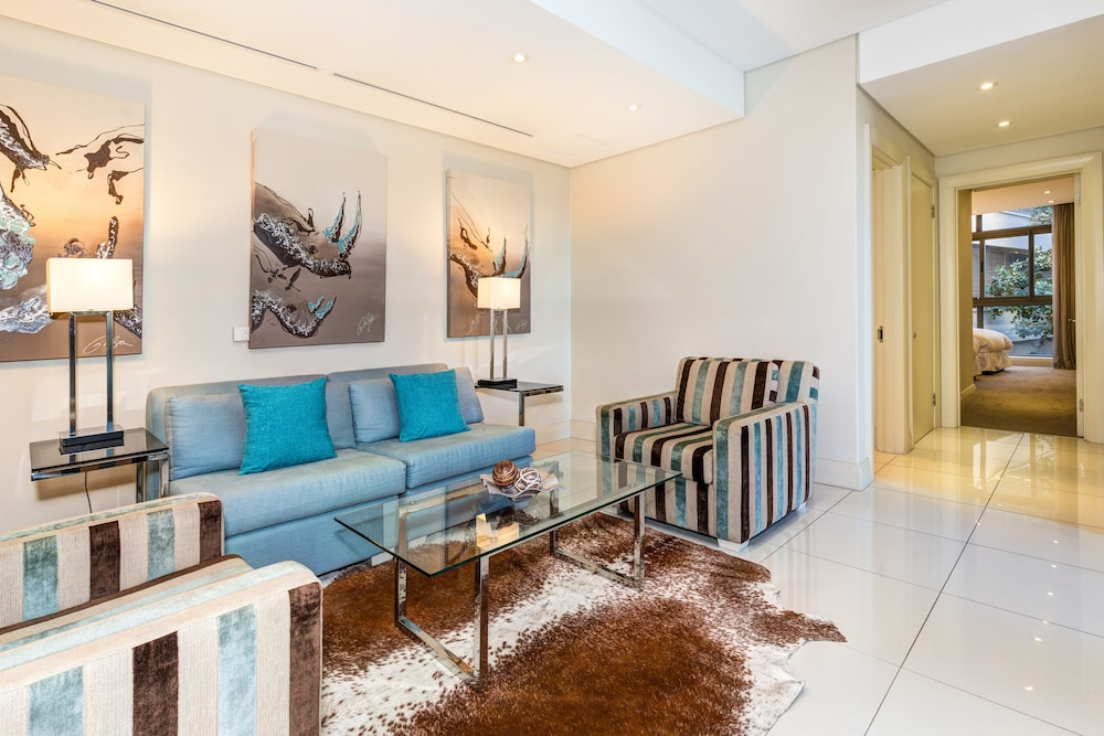 로힐 럭셔리 아파트먼트(Lawhill Luxury Apartments) Hotel Image 38 - Living Area