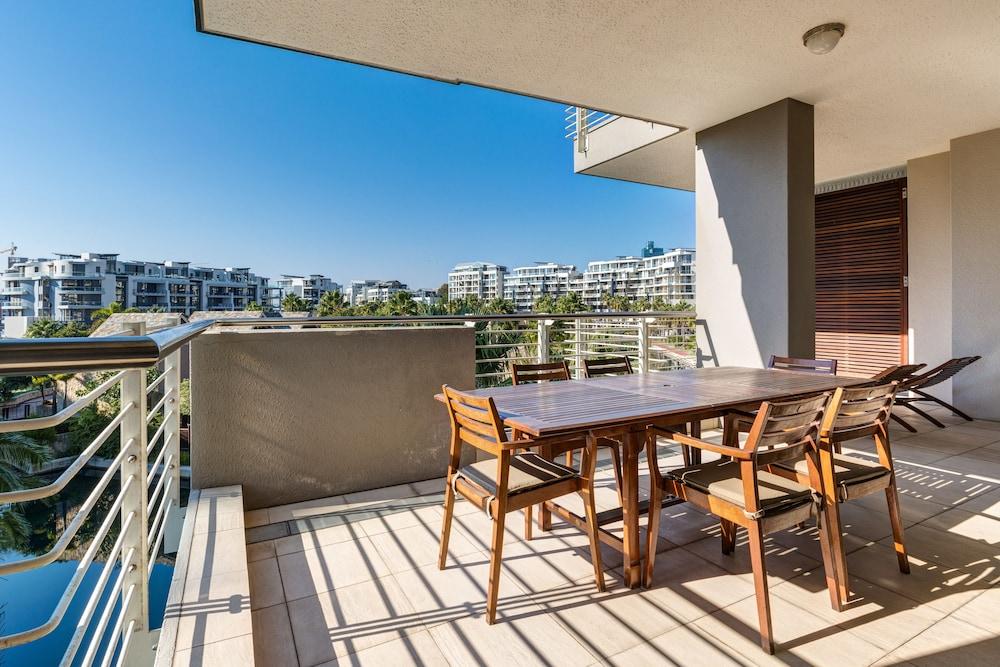 로힐 럭셔리 아파트먼트(Lawhill Luxury Apartments) Hotel Image 57 - Terrace/Patio