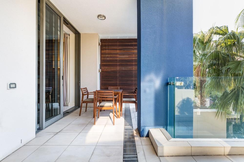 로힐 럭셔리 아파트먼트(Lawhill Luxury Apartments) Hotel Image 54 - Terrace/Patio