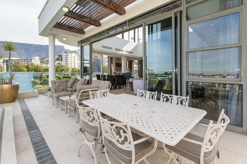 로힐 럭셔리 아파트먼트(Lawhill Luxury Apartments) Hotel Image 58 - Terrace/Patio
