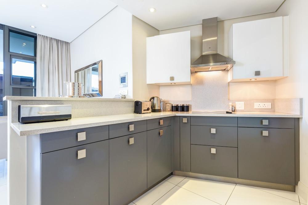 로힐 럭셔리 아파트먼트(Lawhill Luxury Apartments) Hotel Image 34 - In-Room Kitchenette
