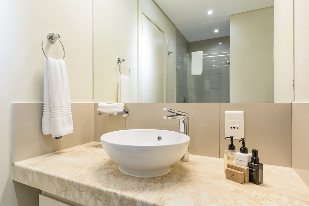 로힐 럭셔리 아파트먼트(Lawhill Luxury Apartments) Hotel Image 86 - Bathroom Sink