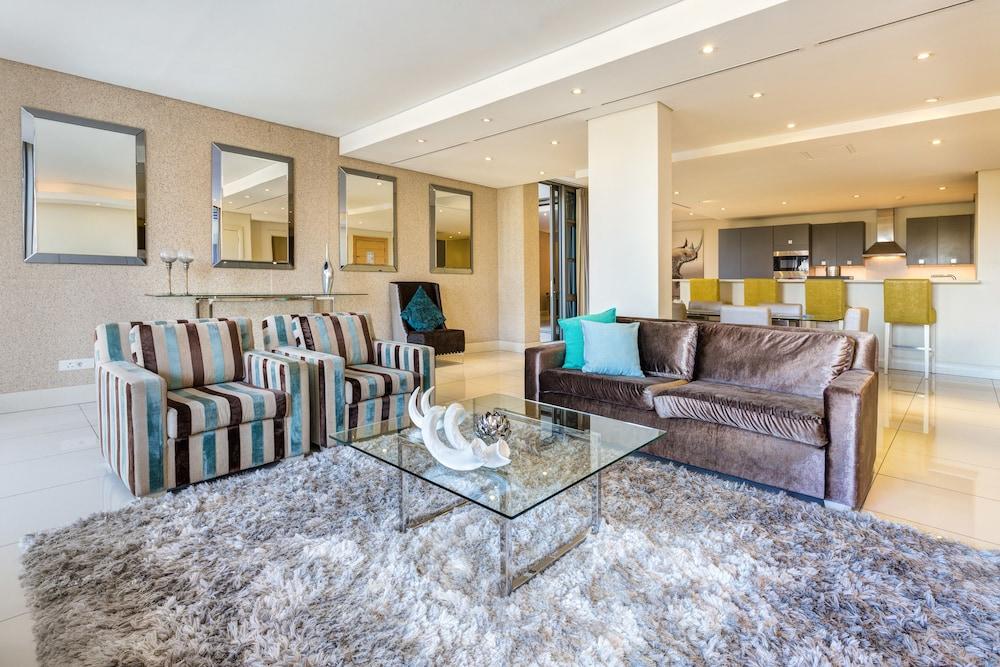 로힐 럭셔리 아파트먼트(Lawhill Luxury Apartments) Hotel Image 51 - Living Room