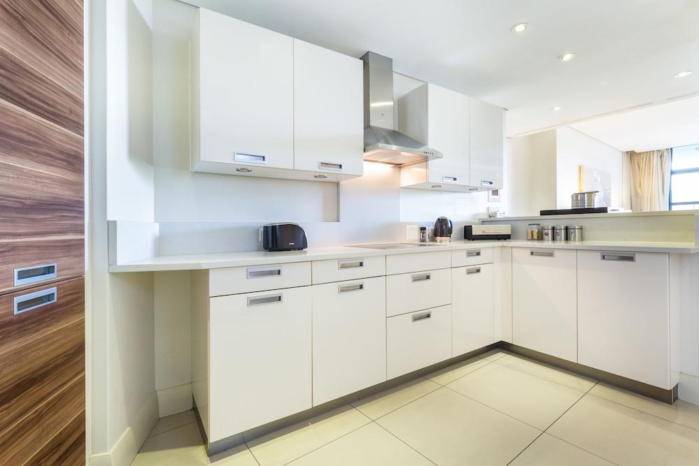 로힐 럭셔리 아파트먼트(Lawhill Luxury Apartments) Hotel Image 24 - In-Room Kitchen