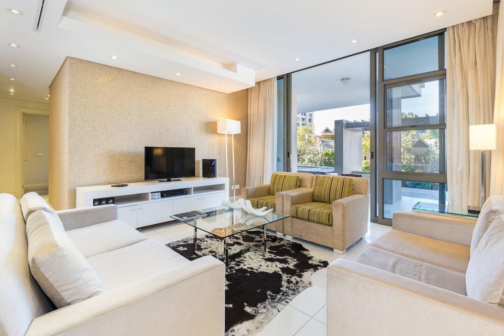 로힐 럭셔리 아파트먼트(Lawhill Luxury Apartments) Hotel Image 105 - Living Room