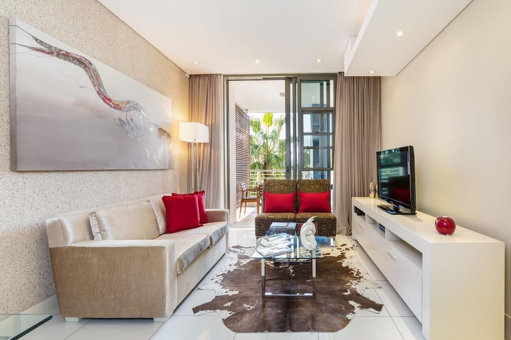 로힐 럭셔리 아파트먼트(Lawhill Luxury Apartments) Hotel Image 45 - Living Room
