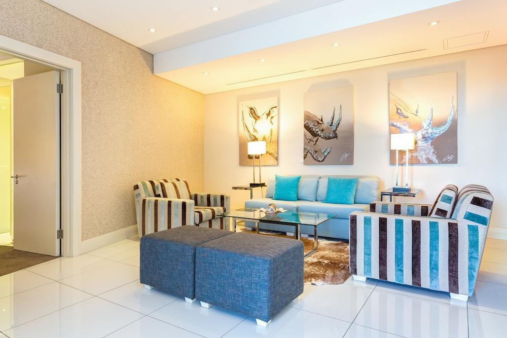 로힐 럭셔리 아파트먼트(Lawhill Luxury Apartments) Hotel Image 42 - Living Area