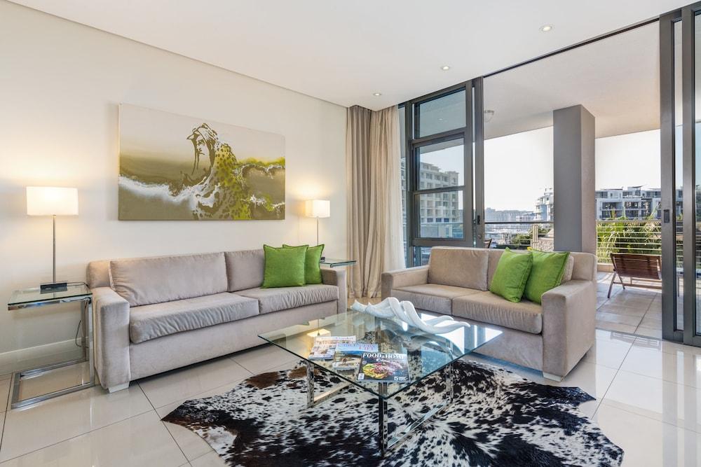 로힐 럭셔리 아파트먼트(Lawhill Luxury Apartments) Hotel Image 37 - Living Area