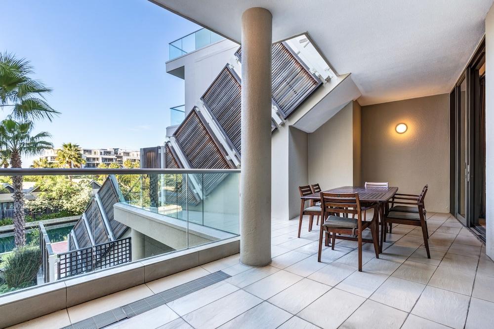 로힐 럭셔리 아파트먼트(Lawhill Luxury Apartments) Hotel Image 65 - Balcony