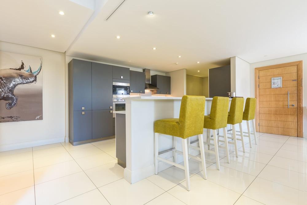 로힐 럭셔리 아파트먼트(Lawhill Luxury Apartments) Hotel Image 33 - In-Room Kitchen