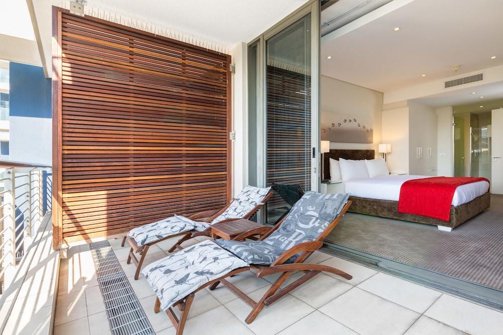 로힐 럭셔리 아파트먼트(Lawhill Luxury Apartments) Hotel Image 63 - Balcony