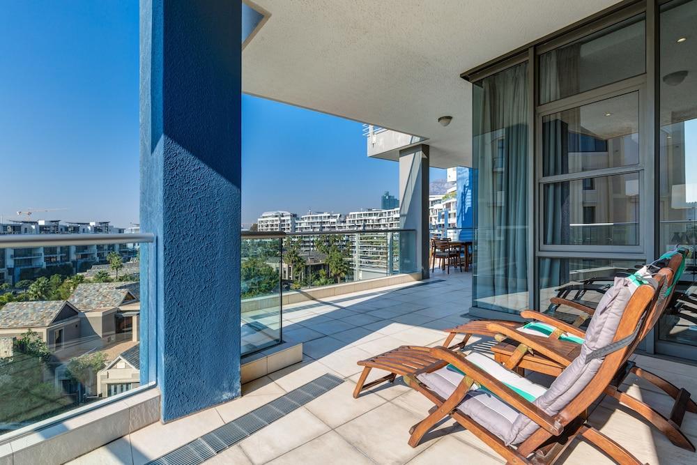 로힐 럭셔리 아파트먼트(Lawhill Luxury Apartments) Hotel Image 66 - Balcony
