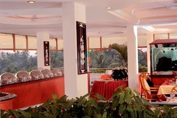 마우리아 라지다니(Maurya Rajadhani) Hotel Image 8 - Breakfast Area