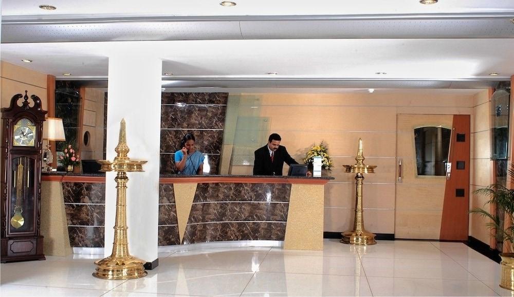 마우리아 라지다니(Maurya Rajadhani) Hotel Image 9 - Reception