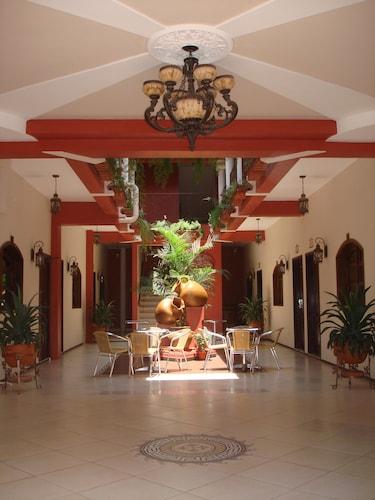. Hotel Real Camino Lenca