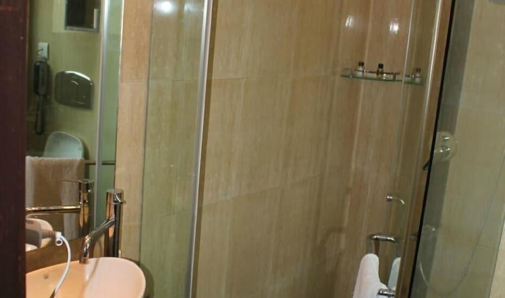 페퍼민트 호텔(Peppermint Hotel) Hotel Image 18 - Bathroom