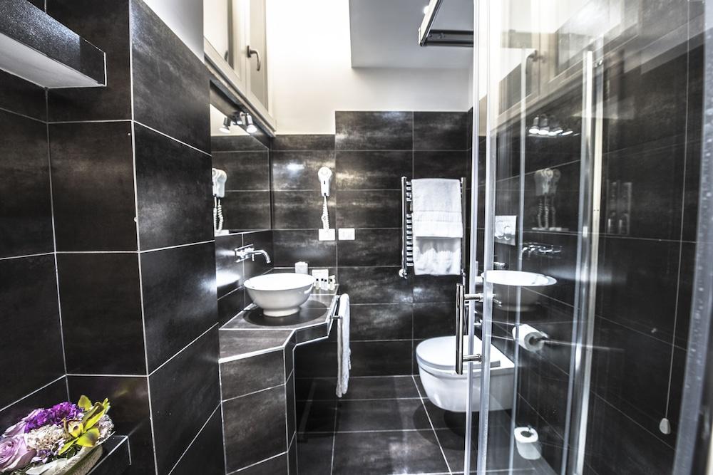 타운 하우스 스파냐(Town House Spagna) Hotel Image 32 - Bathroom