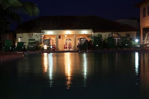 . Seaview Gardens Hotel