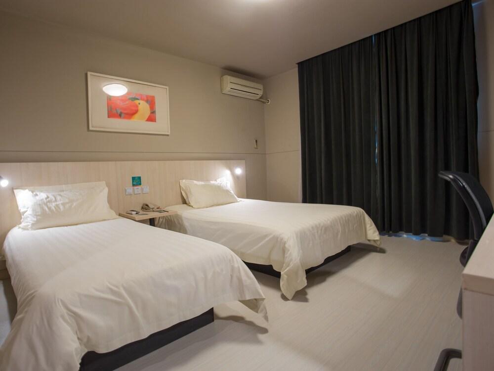 진지앙 인 양푸 브리지(Jinjiang Inn Yangpu Bridge) Hotel Image 3 - Guestroom