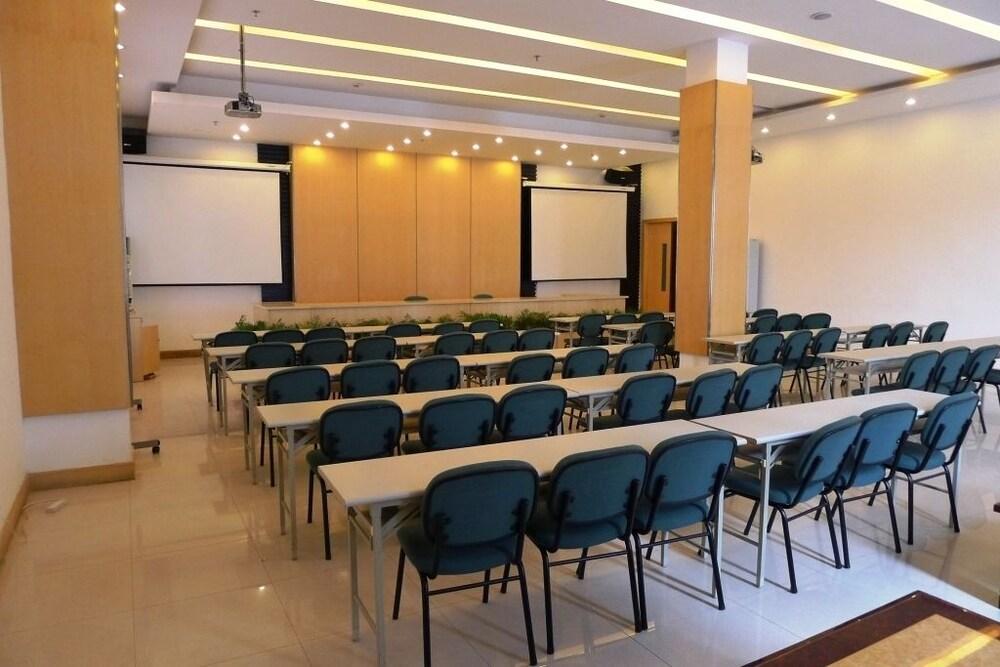 진지앙 인 양푸 브리지(Jinjiang Inn Yangpu Bridge) Hotel Image 24 - Meeting Facility