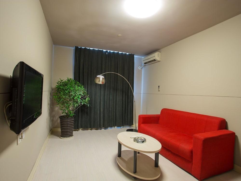 진지앙 인 양푸 브리지(Jinjiang Inn Yangpu Bridge) Hotel Image 20 - Guestroom