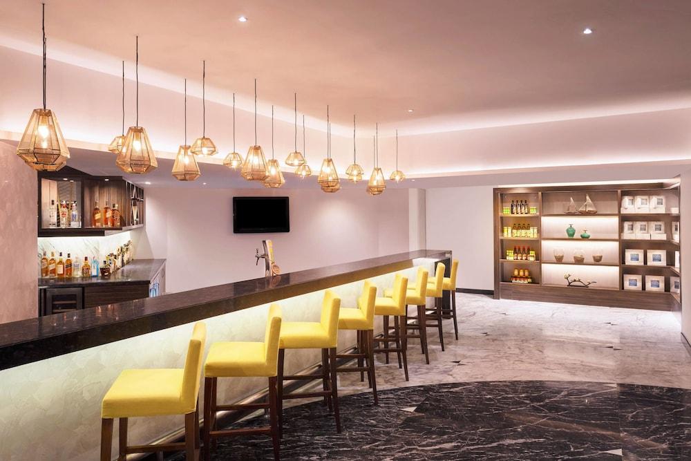 포 포인츠 바이 쉐라톤 비사카파트남(Four Points by Sheraton Visakhapatnam) Hotel Image 18 - Restaurant